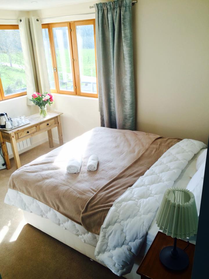 Bedroom Mayfly-